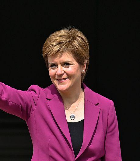 Schotse premier komt één zetel tekort maar waarschuwt Johnson: 'Zoek geen ruzie'