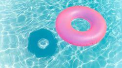 """Zwemcoach Carine Verbauwen over het gevaar van zwembaden: """"Een kind kan geruisloos verdrinken"""""""