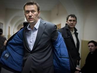 """Artsen van Navalny vragen hem om hongerstaking """"onmiddellijk"""" te beëindigen"""