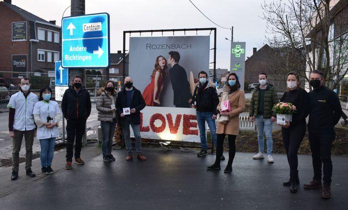 Enkele handelaars van de Brugsesteenweg zetten samen een Valentijnsactie op.