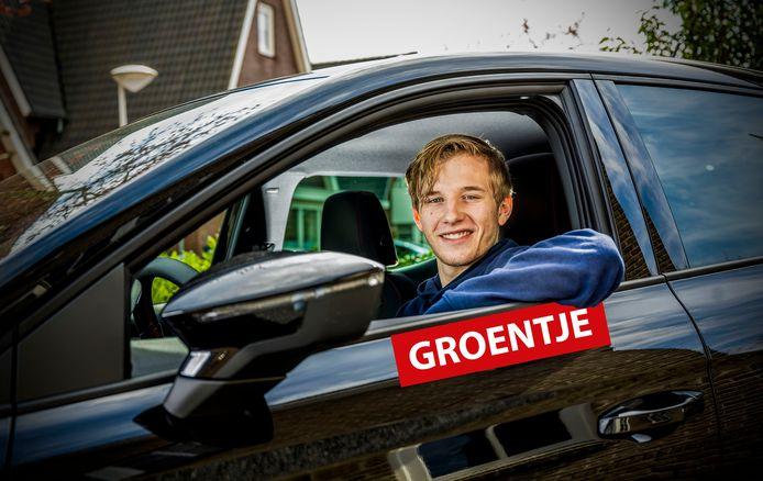 Rick van der Waals (17) heeft net zijn rijbewijs gehaald.