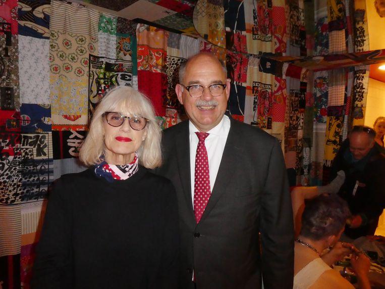 """Liesbeth in 't Hout, oud-directeur Amsterdam Fashion Institute, en Lloyddirecteur Piet Boogert: """"Het Lloyd is wel klaar, maar nooit af.'' Beeld Hans van de Beek"""