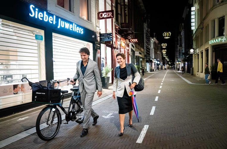 Jesse Klaver (GroenLinks) en Lilianne Ploumen (PvdA) na een gesprek bij informateur Mariëtte Hamer. Beeld ANP