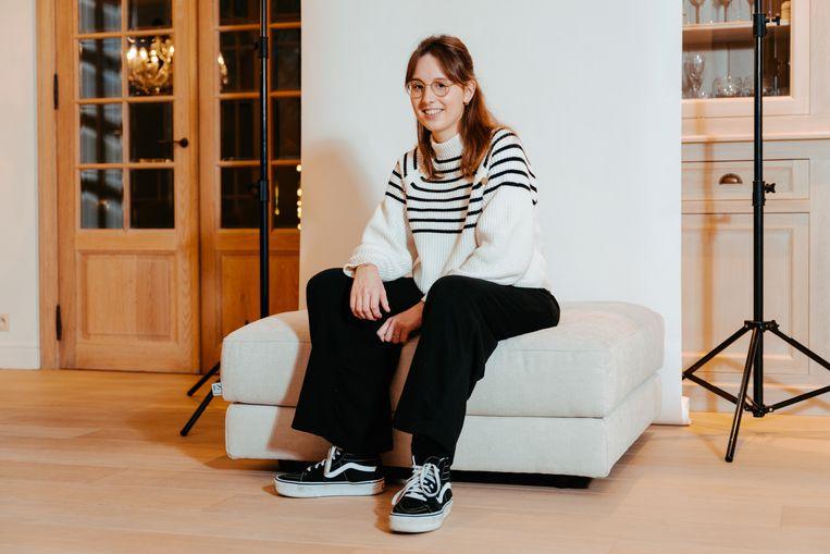 Pauline De Guchtenaere: 'Mijn dagen? Die bestaan eigenlijk uit les volgen, wat tv kijken en slapen.' Beeld Damon De Backer