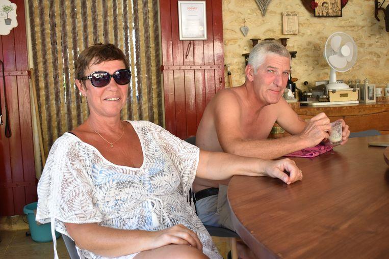 Marnic Baeyens (56) en Carine Otte (55), baten B&B en gîtes Le Petit Bonheur uit in Belvès (Dordogne)