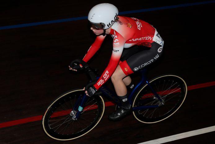 Juniore Febe Jooris werd tijdens de International Belgian Track Meeting dankzij een goeie eindspurt derde in de puntenkoers.