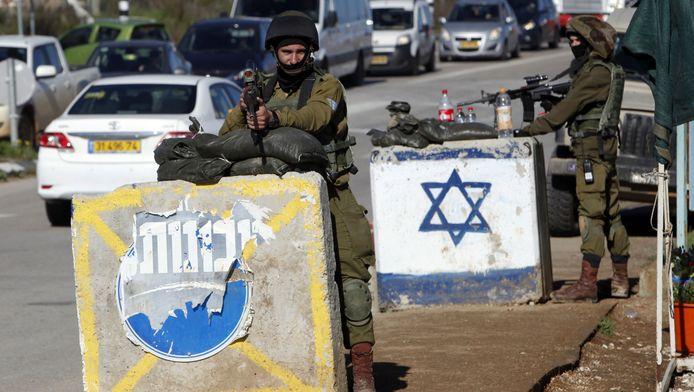Israëlische soldaten op de belegerde Westelijke Jordaanoever