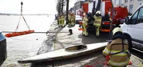 Vals alarm op IJssel bij Kampen na losgeslagen kano
