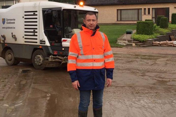 """""""Tijdens de recente zware wateroverlast kregen we als gemeente steun van de Civiele Bescherming, maar deze hulpverlening kwam traag op gang"""", klaagt de burgemeester de situatie aan."""
