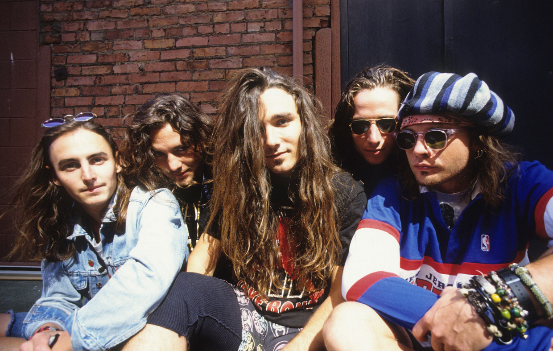 Pearl Jam is (van links naar rechts): Mike McCready, Eddie Vedder, Dave Abbruzzese, Stone Gossard en Jeff Ament.  Beeld BELGAIMAGE