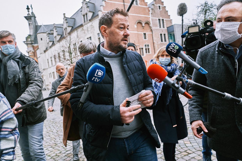 Bart De Pauw aan de rechtbank in Mechelen, na de inleidende zitting. Beeld Thomas Sweertvaegher