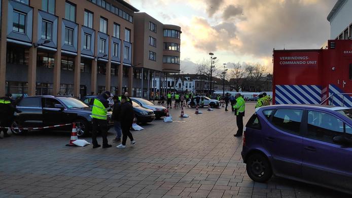 Een grote politie-actie in Schiedam.