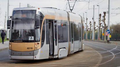 Verkeer op vier tramlijnen in centrum Brussel hersteld na breuk in bovenleiding
