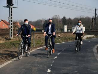 Missing link in fietssnelweg tussen Eeklo en Zelzate wordt aangepakt: nieuwe strook van 2,6 kilometer tussen Kaprijke en Bassevelde