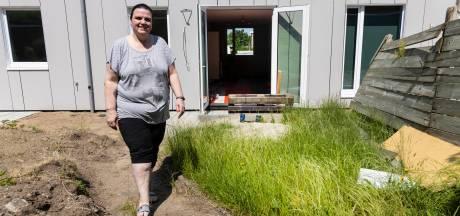 Wie ligt er in Sandra's achtertuin begraven? 'Straks denken ze nog dat ik iemand vermoord heb'