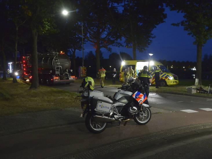 Meisje op fiets ernstig gewond bij botsing met vrachtwagen in Etten-Leur