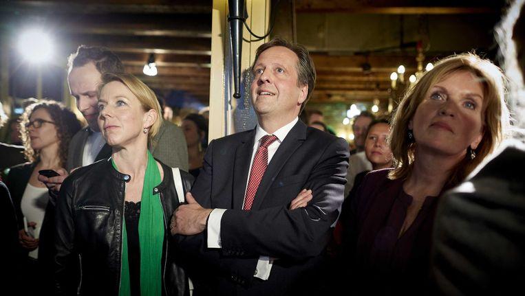 D66-leider Alexander Pechtold met Tweede Kamerleden Stientje van Veldhoven en Pia Dijkstra vorige week op de uitslagenavond van het Oekraïnereferendum. Beeld ANP