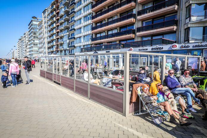 Les terrasses de Middelkerke ont rouvert en primeur, une semaine avant le 8 mai.