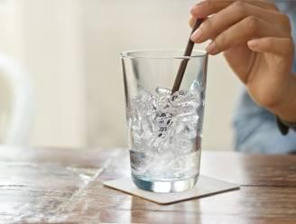 Waarom ijsblokjes de oorzaak van je extra vakantiekilo's kunnen zijn