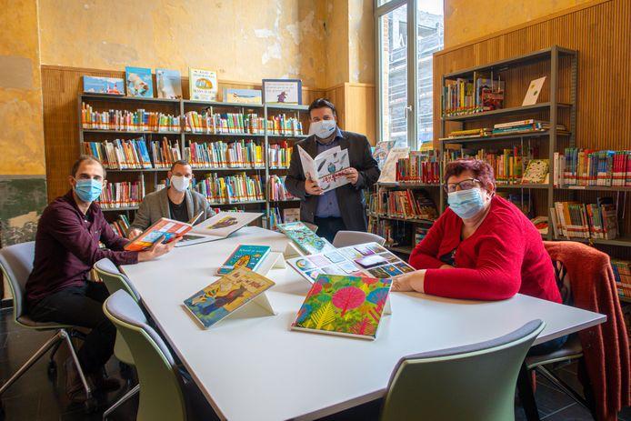 V.l.n.r. Roel Van Den Bril (bibliotheek Mechelen), Stefan De Clerck (projectcoördinator), Björn Siffer (schepen van Cultuur) en Marina De Bie (schepen van Onderwijs).