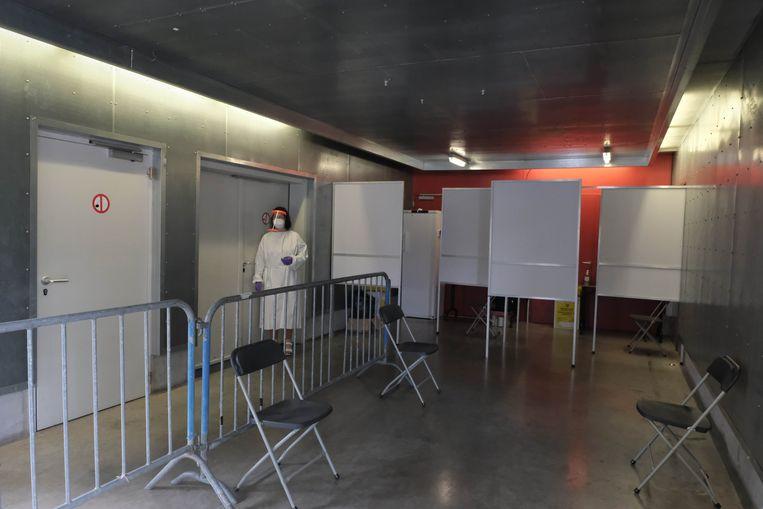 Zo ziet het testcentrum in Putte er aan de binnenkant uit.  Beeld