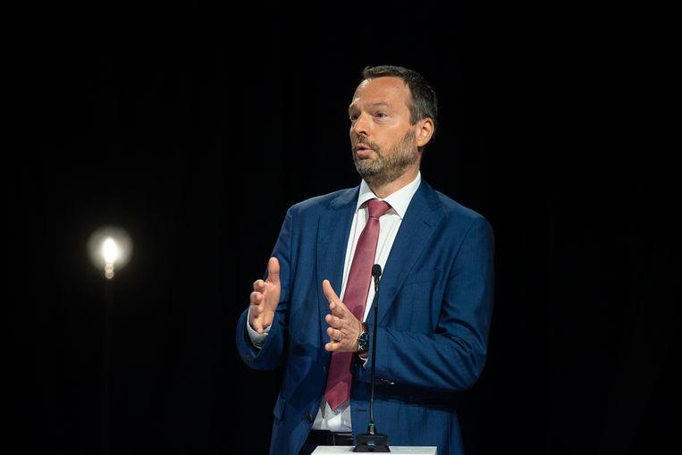 Pierre Wunsch, hier tijdens het nationale coronadebat van VRT, VTM en Het Laatste Nieuws.  'Ik ken in mijn omgeving  maar weinig mensen die voor 100 procent de regels volgen.'  Beeld BELGA