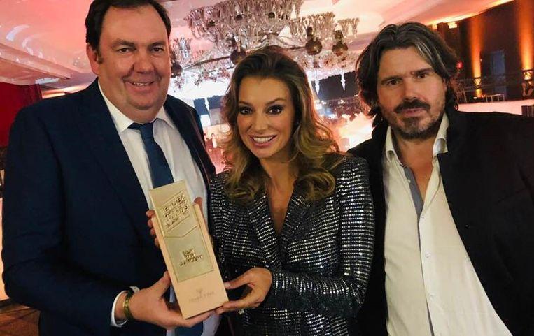 Pascal Vossius en Koen Vanmechelen ontvangen Award voor 'Beste Bar' uit handen van Veronique De Kock
