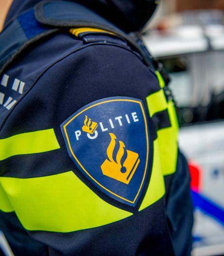 Automobilist rijdt in op vrouw bij Action in Arnhem: politie spreekt van 'poging tot doodslag'