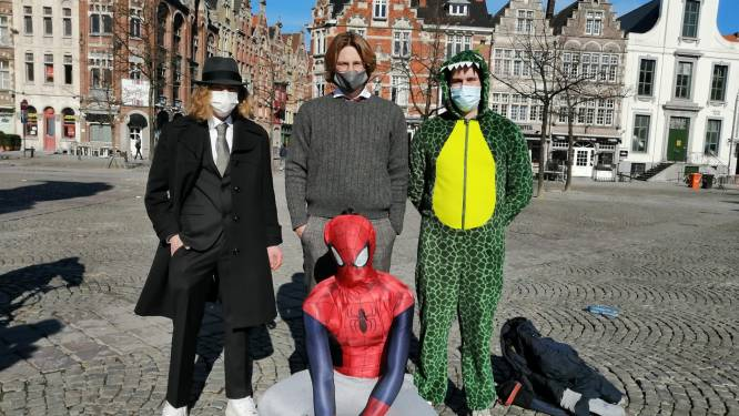 Spiderman op de Vrijdagmarkt: Sint-Lievenscollege viert Honderd Dagen met een stadsspel