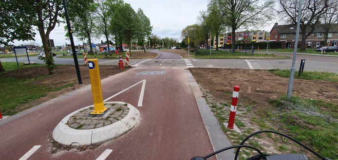 Het is net klaar en maar een paar honderd meter, maar voor fietsers is een belangrijk stukje van de F35 in Hengelo doorgetrokken.