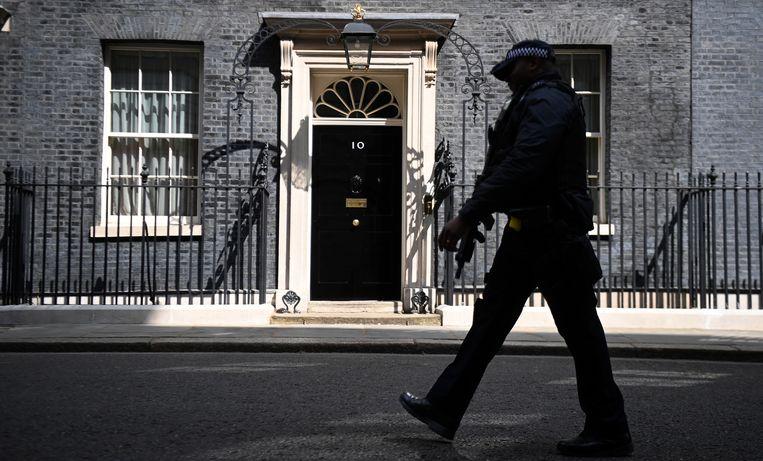 De Britse premier Boris Johnson heeft een dure smaak: hij liet Downing Street 10 helemaal herinrichten door een beroemd designer. Hoe hij dat precies betaalde, is de vraag. Beeld EPA