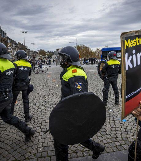 Eindhovense binnenstad staat zondag op scherp, Zwarte Pietclash op Stadhuisplein