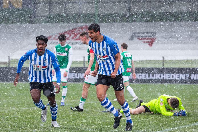 Mawouna Amevor tikte tegen FC Dordrecht de belangrijke 1-2 binnen en tijdens het juichen kwam alle frustratie eruit.