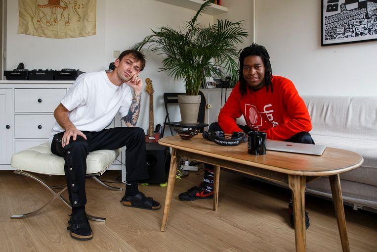 Art Noukas en Passion Dzenga hebben tijdens een etentje geluisterd naar een dj-set van Dzenga.  Beeld Carly Wollaert