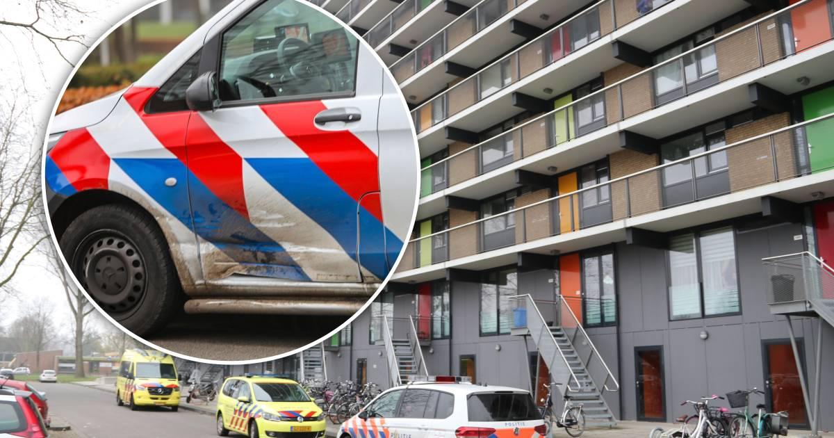 Ongeluk op weg naar reanimatie baby in Apeldoorn: politie geramd.