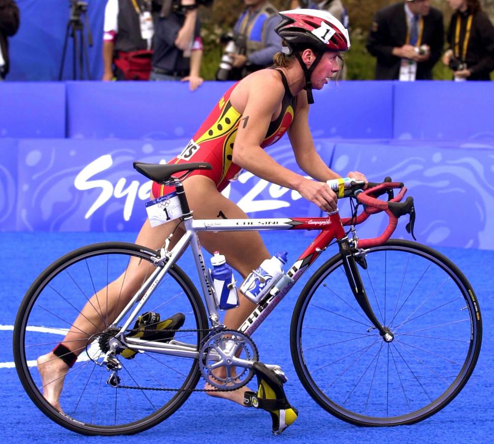 Mieke Suys in actie op de Olympische Spelen van 2000 in Sydney.