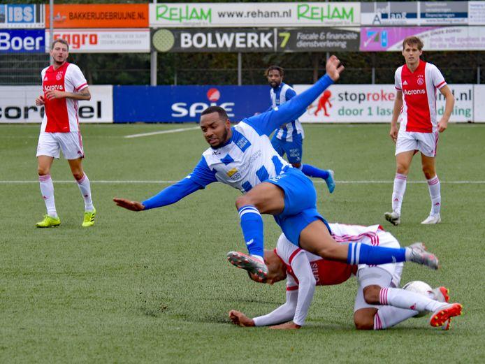 Roycel James, hier op archiefbeeld in actie tegen Ajax, is een twijfelgeval voor het thuisduel met VVOG.