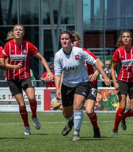 Voetbalsters PSV starten voorbereiding in Gilze met elftal aan goals