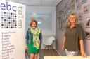 Directrice Liesbeth van Kerkhof (links) en projectleider Li-ja Termijn van EBC Talen in Bergen op Zoom ergeren zich  aan malafide taalscholen die de branche een slecht imago bezorgen.