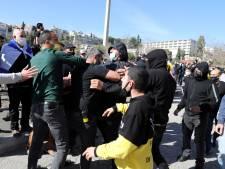 """Des """"Ultras"""" du Beitar Jérusalem s'en prennent à des supporters de leur propre club, la police intervient"""