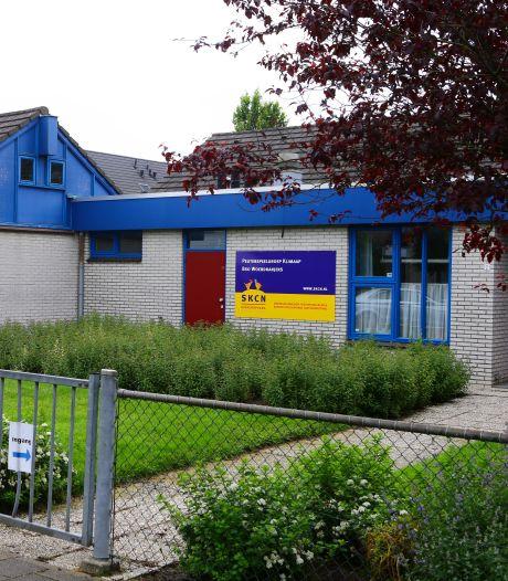 Oude basisschool weer opgelapt: aantal kinderen in Schoonrewoerd groeide veel harder dan verwacht