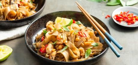 Wat Eten We Vandaag: Pad thai met garnalen en Thaise basilicum