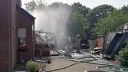 Garagebrand slaat over op huis: woning onbewoonbaar verklaard