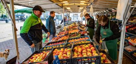 Onderzoek naar markten Raalte: geen verhuizing naar centrum en marktkooplui moeten handen ineenslaan