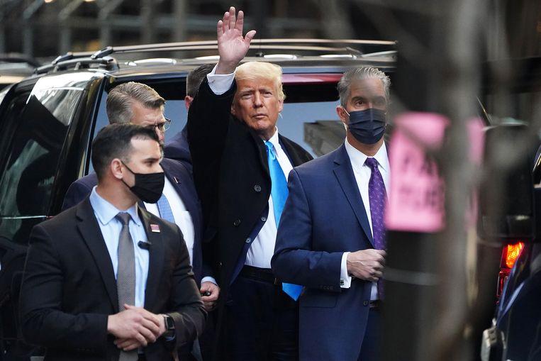 Ex-president Trump staat nu op plaats 1299 van de lijst miljardairs van het zakenblad Forbes. Beeld Reuters