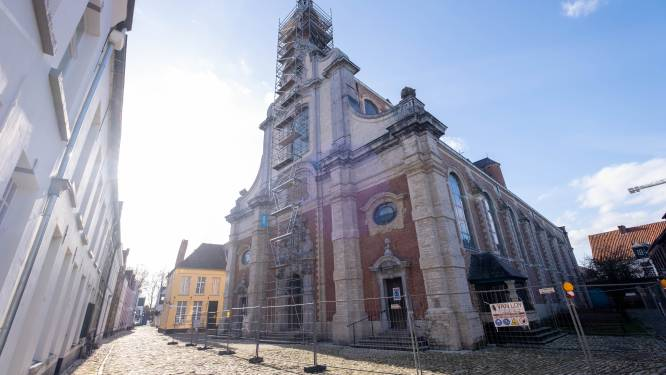 Begijnhofkerk in de stellingen: draagconstructie torenklok wordt vernieuwd
