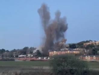 Gecontroleerde ontploffing van Duitse bom uit WOII in Engelse stad doet ramen springen en metselwerk scheuren