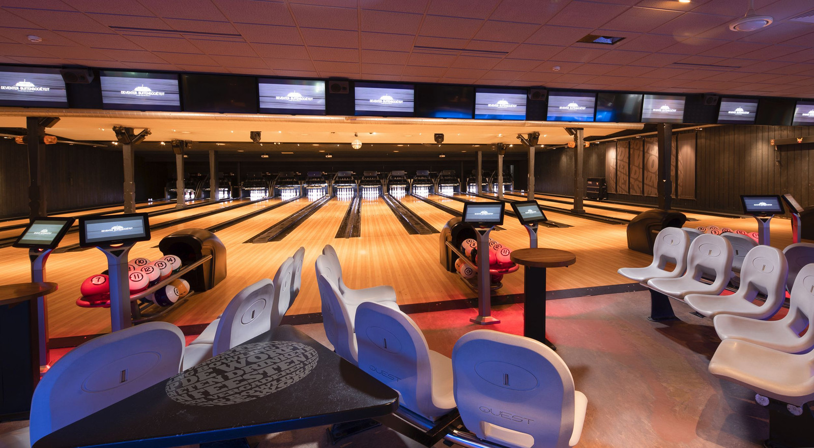 De bowlingbaan van de Deventer Buitensociëteit.