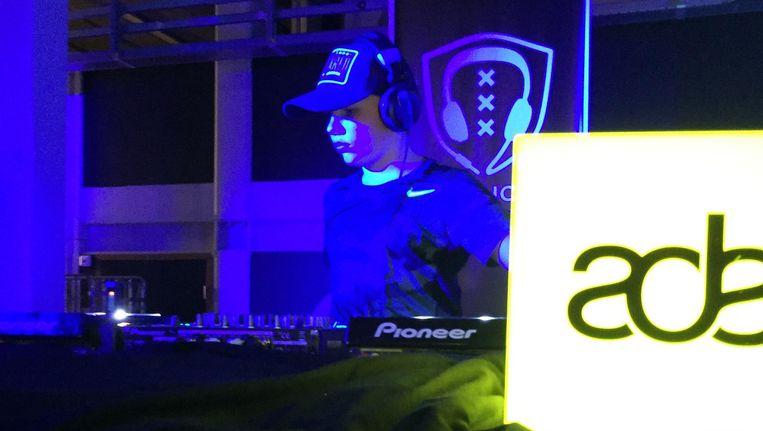 DJ Simon Heijmans tijdens het Amsterdam Dance Event. Beeld null