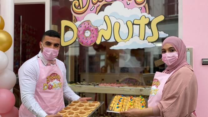 """Nieuwe donutwinkel geopend in Brabantdam: """"Je kan een donut uit de winkel kiezen of zelf samenstellen"""""""